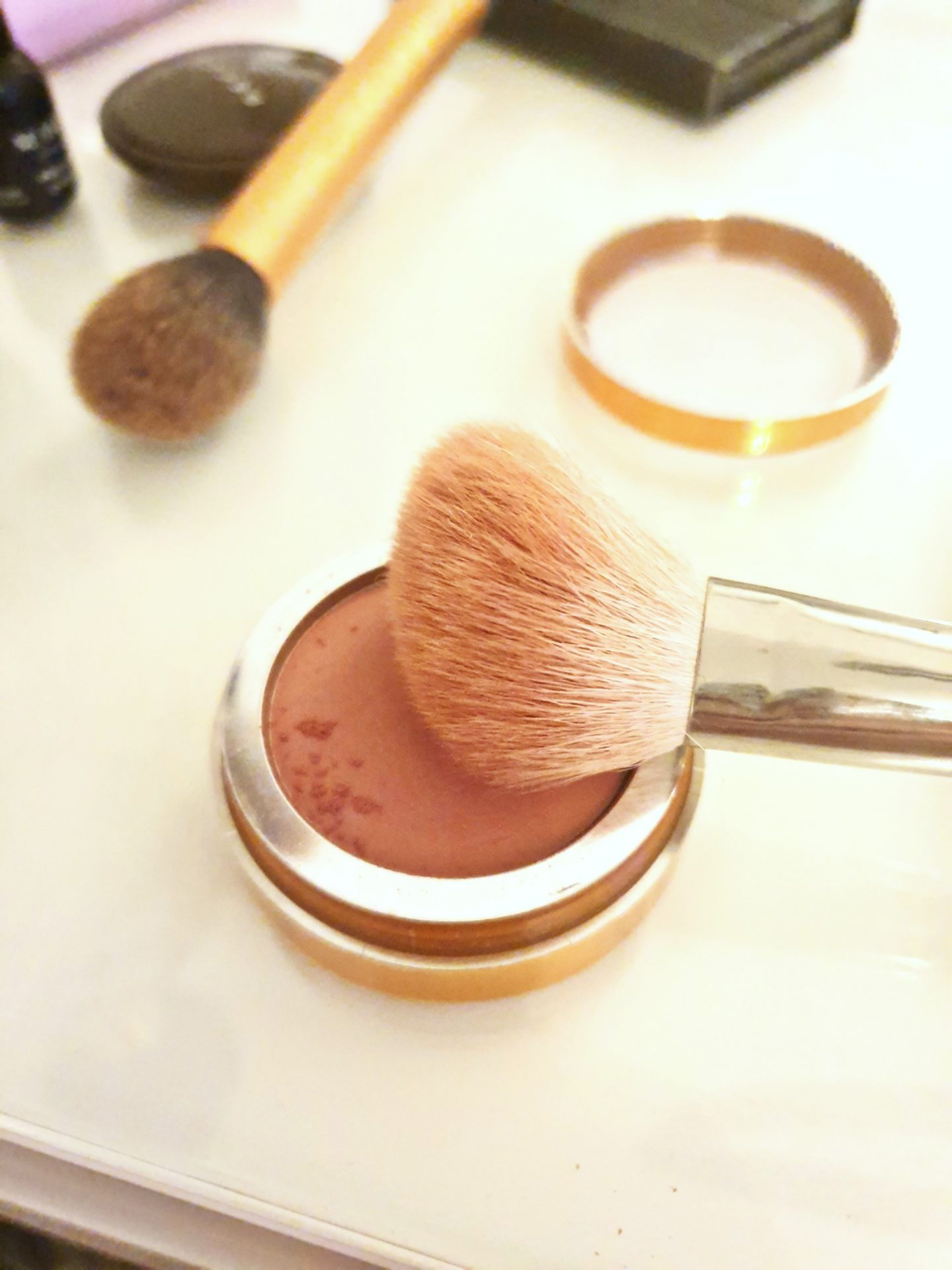 Blusher with brush